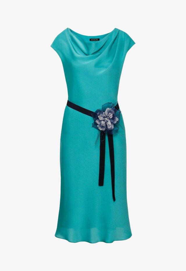 Sukienka koktajlowa - zieleń