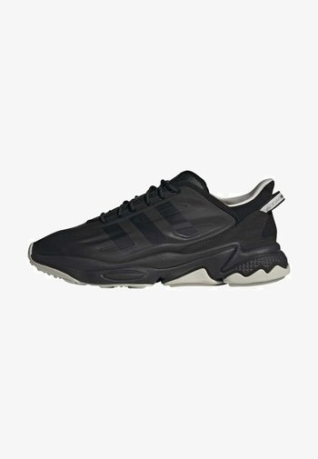 OZWEEGO HELMET CLOSED SHOES - Trainers - cblack/greone/ftwwht
