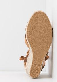 Even&Odd Wide Fit - Korolliset sandaalit - cognac - 6