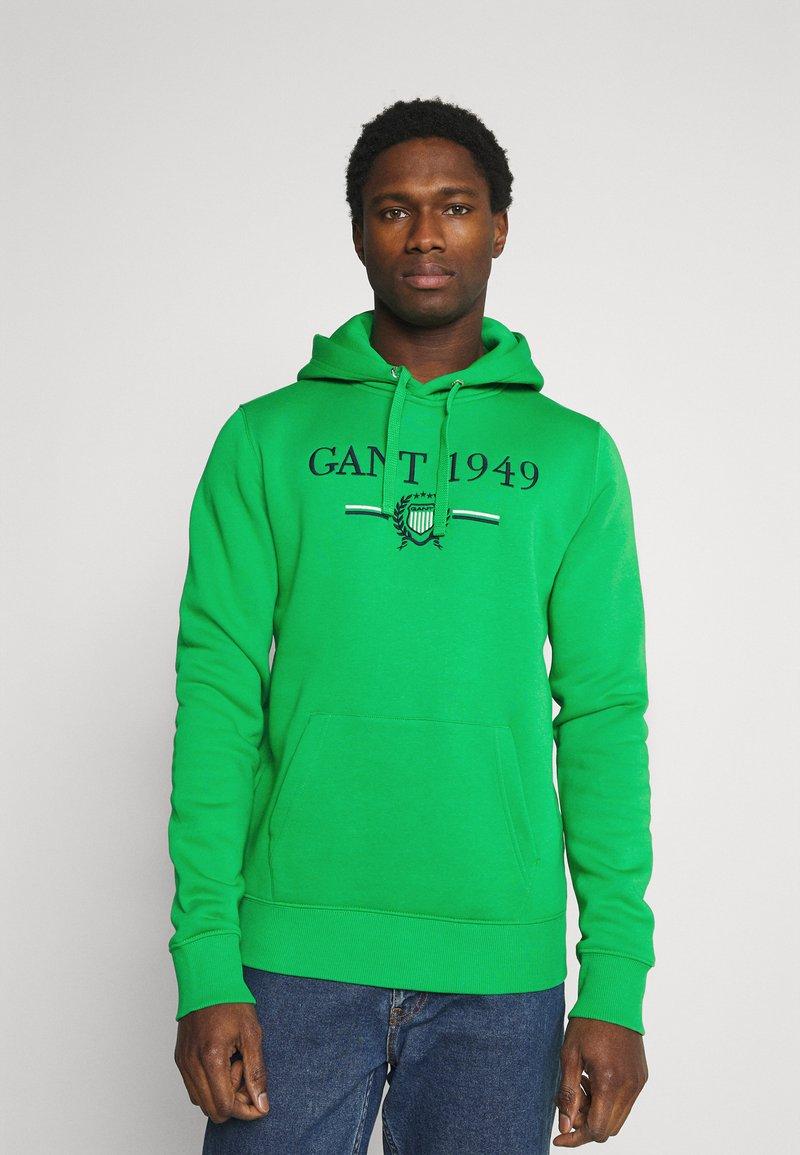 GANT - 1949 CREST HOODIE - Luvtröja - fern green