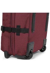 Eastpak - TRANVERZ  - Wheeled suitcase - red - 5