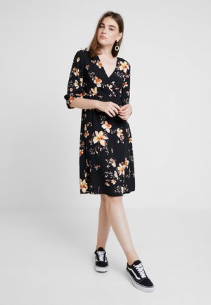 VMREEDA V NECK DRESS - Denní šaty - navy blazer