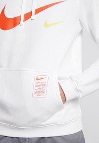 Nike Sportswear - CLUB HOODIE - Hættetrøjer - white - 4