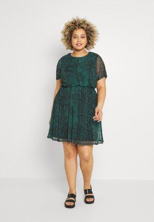 SHIRRED WAIST SKATER - Denní šaty - green
