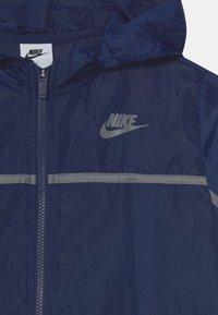 Nike Sportswear - TRACK SUIT SET UNISEX - Tepláková souprava - midnight navy/smoke grey - 3