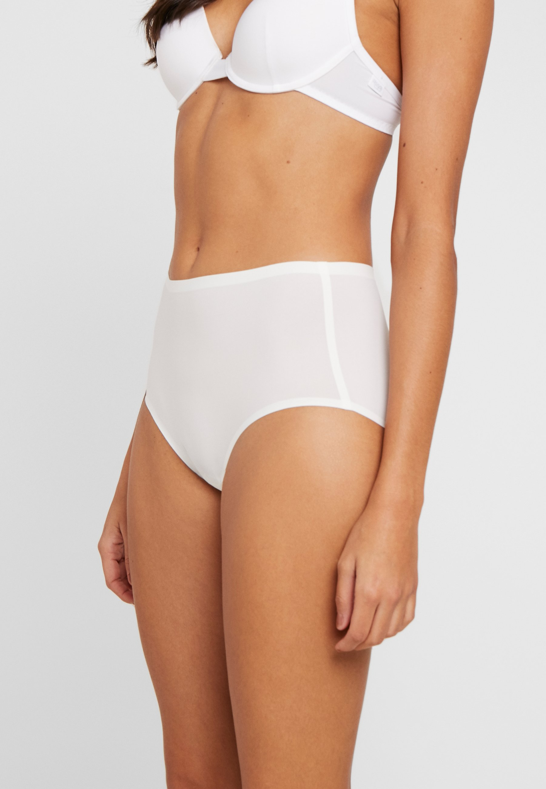 Women SMOOTHEASE INVISIBLE STRETCH FULL BRIEF - Shapewear