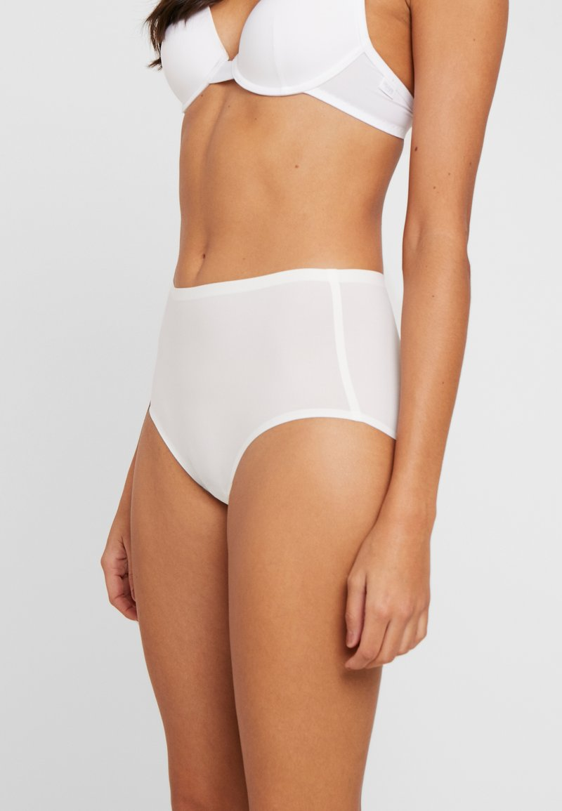 Fantasie - SMOOTHEASE INVISIBLE STRETCH FULL BRIEF - Intimo modellante - ivory