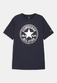 Converse - FOIL CHUCK PATCH TEE UNISEX - Print T-shirt - obsidian - 0