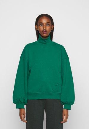 OVERSIZE LOGO DETAIL - Sweatshirt - pine green