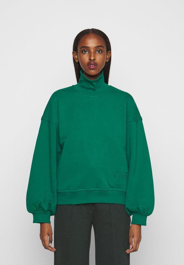 OVERSIZE LOGO DETAIL - Sweater - pine green