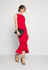 True Violet - MIDI DRESS  - Vestido de cóctel - red - 1