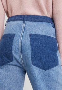JUST FEMALE - ANGELINA TROUSERS - Flared Jeans - blue denim - 3
