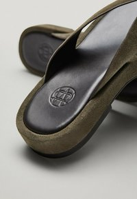 Massimo Dutti - T-bar sandals - evergreen - 6