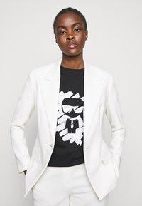 KARL LAGERFELD - IKONIK GRAFFITI  - T-Shirt print - black - 3