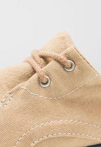 Timberland - GATEWAY PIER OXFORD - Casual lace-ups - medium beige - 2
