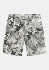 Jack & Jones Junior - JJISTONE 2 PACK - Shorts - deep lichen green - 1