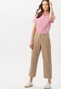 BRAX - STYLE MAINE  - Trousers - brown - 1