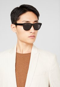 Gucci - Sunglasses - black - 1