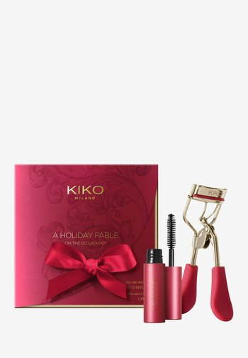A HOLIDAY FABLE ON THE GO LASH KIT - Makeup set - -