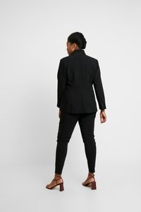 Vince Camuto Plus - STAND COLLAR  - Blazere - rich black - 2