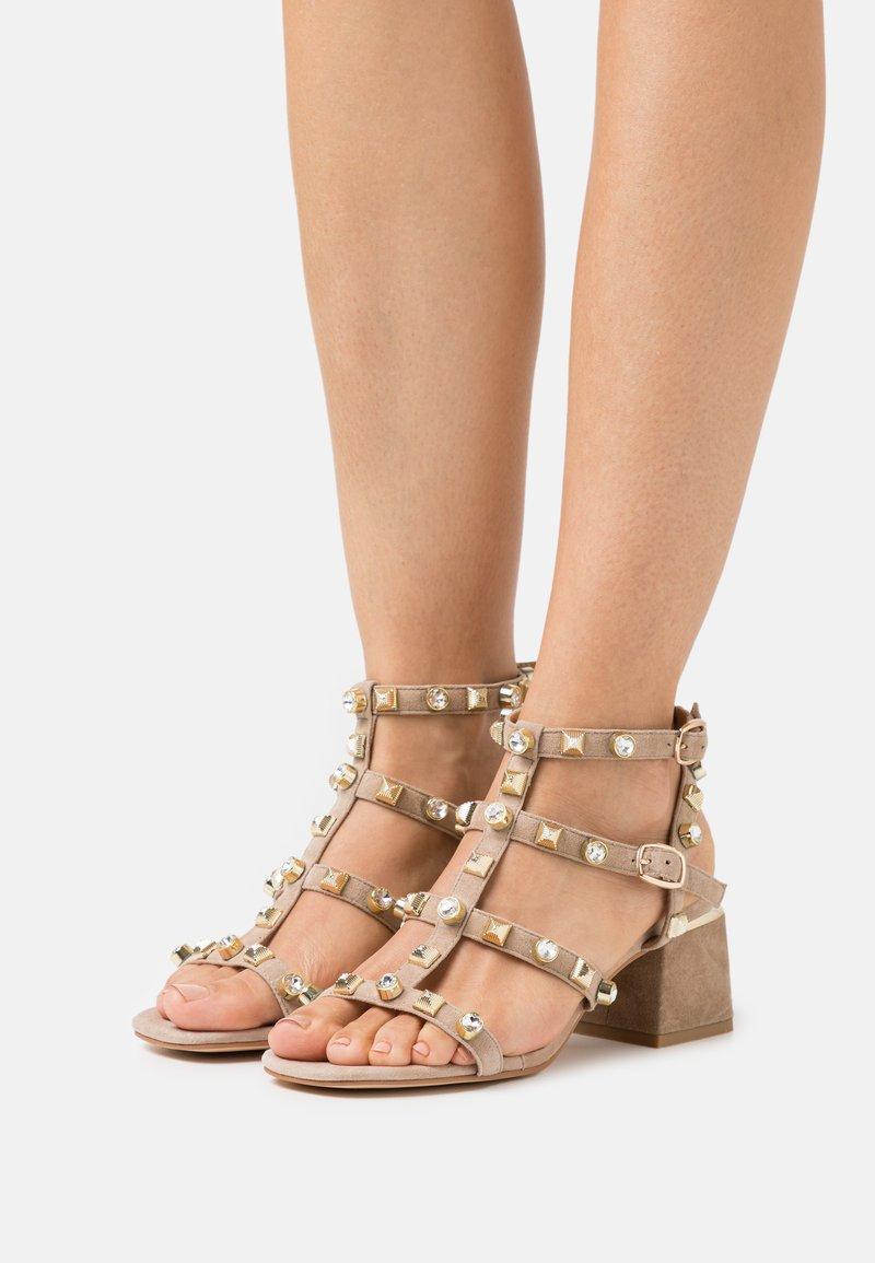 Alma en Pena - Sandals - vison