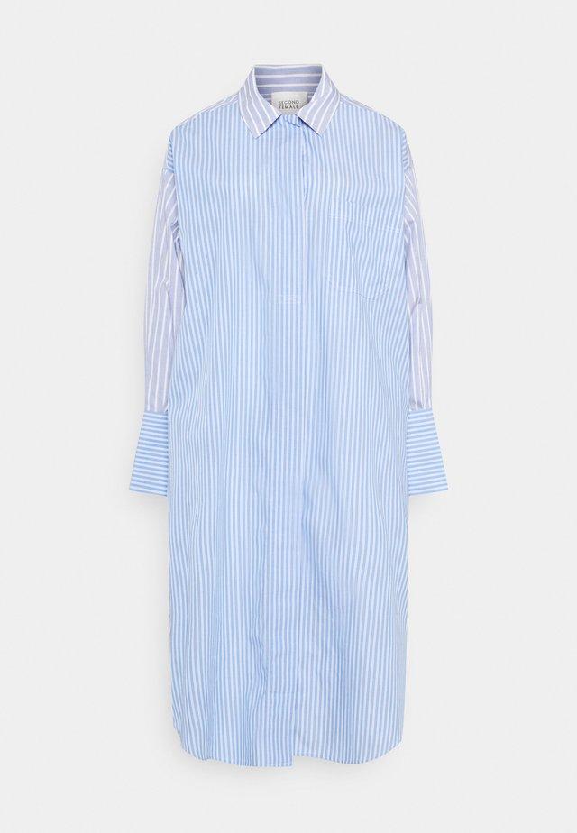 EVELIN NEW DRESS - Skjortklänning - brunnera blue