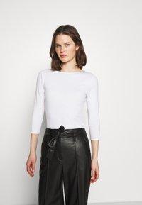 Marks & Spencer London - FITTED SLASH - Langærmede T-shirts - white - 0