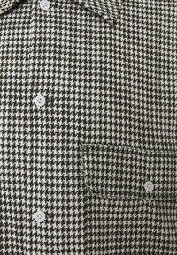 Weekday - VAN CHECKED  - Skjorta - black /white - 2