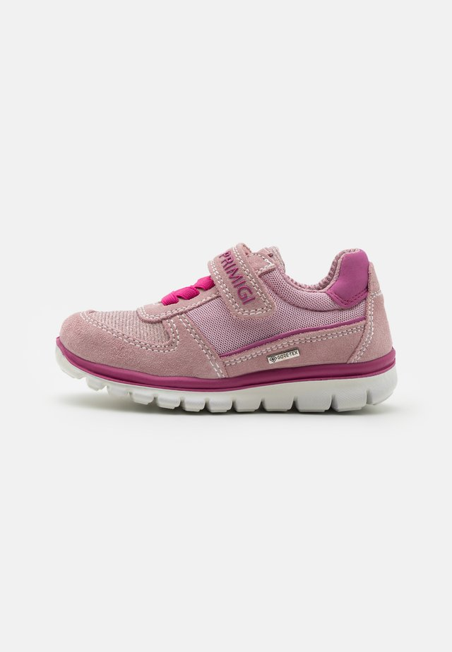Sneakers laag - chiffon/cipria
