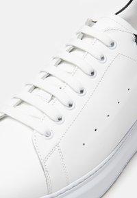 Noclaim - DALI 7 - Trainers - bianco nero - 6