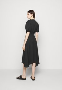 Club Monaco - V NECK PUFF - Cocktail dress / Party dress - black - 2