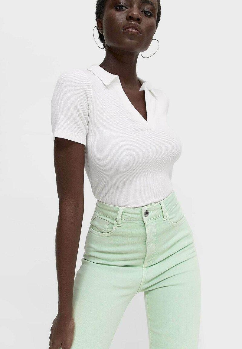 Stradivarius - Jeans Skinny Fit - light green