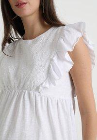 JoJo Maman Bébé - BRODERIE ANGLAISE - Print T-shirt - white - 4