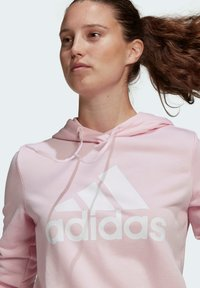 adidas Performance - ESSENTIALS RELAXED LOGO HOODIE - Felpa con cappuccio - pink - 2