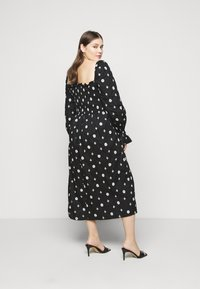 Never Fully Dressed - CROSS EMBROIDERED MIDI - Denní šaty - black - 2