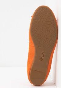 Gabor - Ballet pumps - orange - 6
