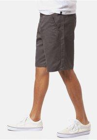 Vans - Shorts - asphalt - 3