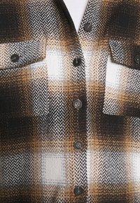 Noisy May - NMFLANNY CHECK  - Button-down blouse - birch/brown sugar/dark brown/black - 6