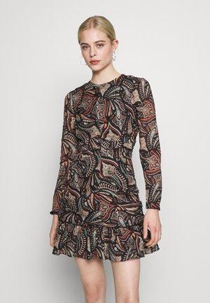 CANNES MINI DRESS - Denní šaty - saffron