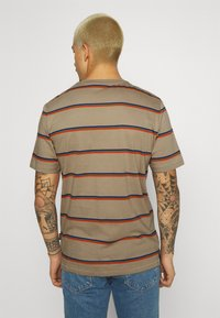 Only & Sons - ONSMARIO LIFE TEE  - T-shirt med print - chinchilla - 2