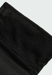 adidas Performance - 2021-02-01 ESSENTIALS 3-STRIPES WALLET - Plånbok - black - 4