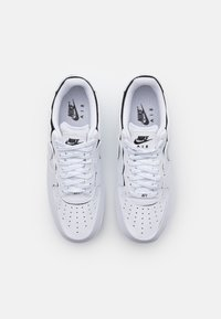 Nike Sportswear - AIR FORCE 1/1 - Zapatillas - white/black/cosmic clay - 6