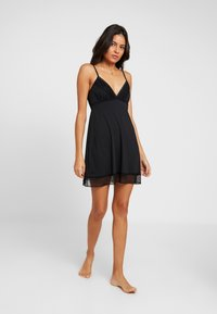 Cotton On Body - SLINKY NIGHTIE - Nightie - black - 1