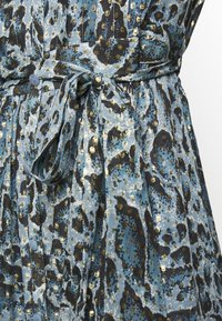 Temperley London - OCELOT PRINTED DRESS - Košilové šaty - powder blue - 4