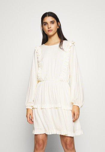 DOTTIE VICTOIRE DRESS - Denní šaty - yellow