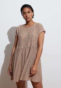 OYSHO - GINGHAM  - Day dress - brown - 0