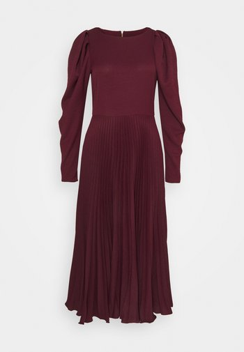 PUFF SHOULDER PLEATED SKIRT DRESS - Vestido de cóctel - wine