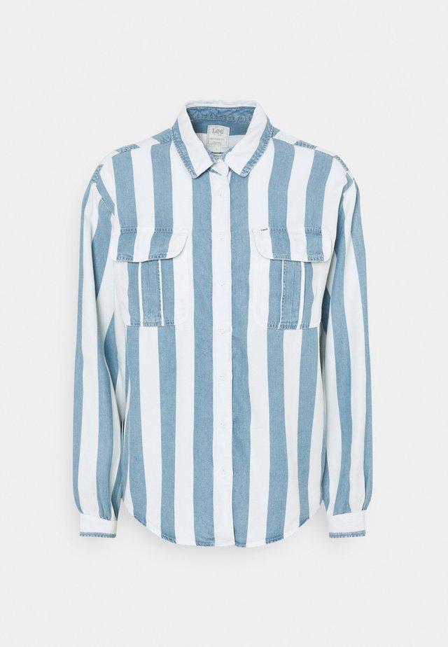 BOX PLEAT - Button-down blouse - dawn blue