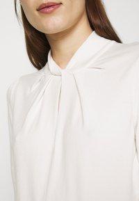 Ted Baker - GRAYCIA - T-shirt print - white - 7