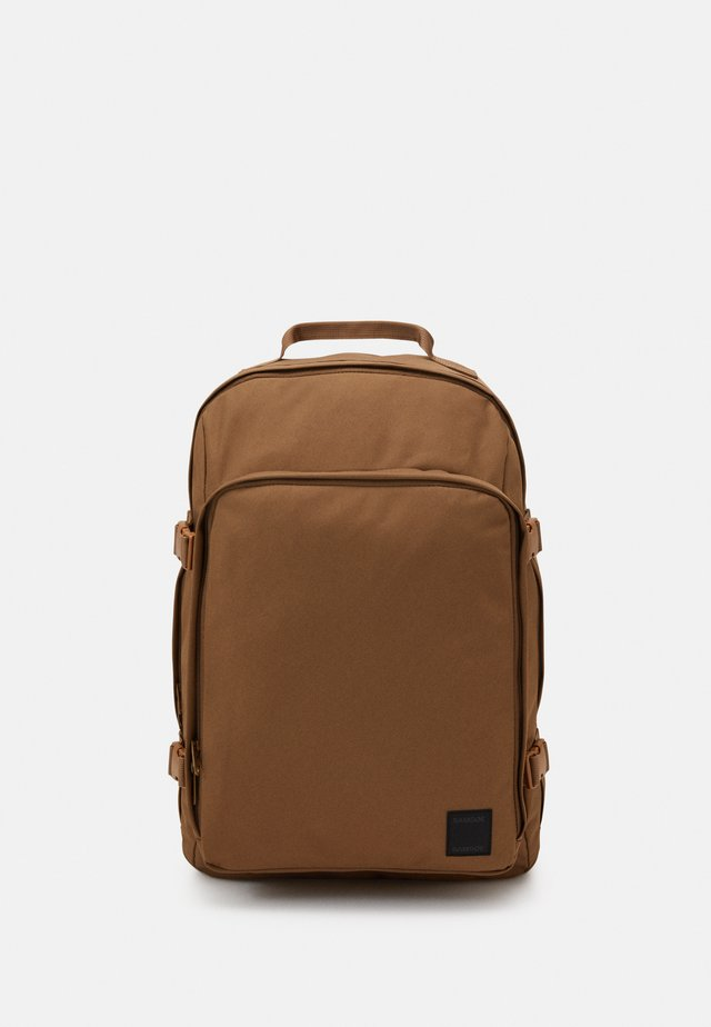 BERKOFF BACKPACK  - Tagesrucksack - bronze brown